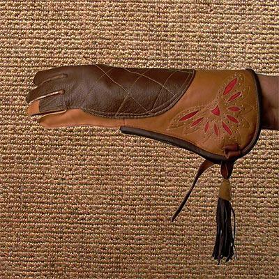Habichtshandschuh aus Rinderleder mit Kirgisenmuster