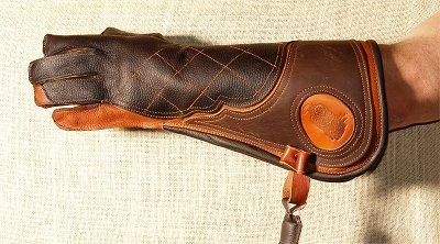 Adlerhandschuh aus Büffelleder