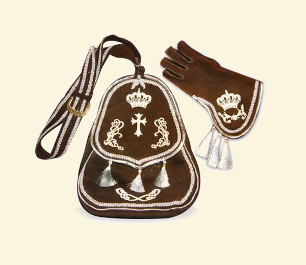 Historische Falknertasche mit Handschuh